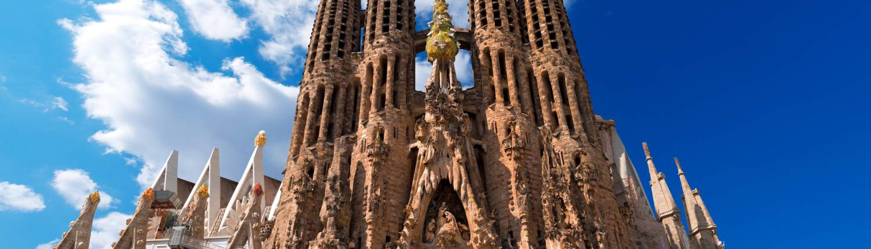 Barcelona groepsreis Sagrada Familia close up
